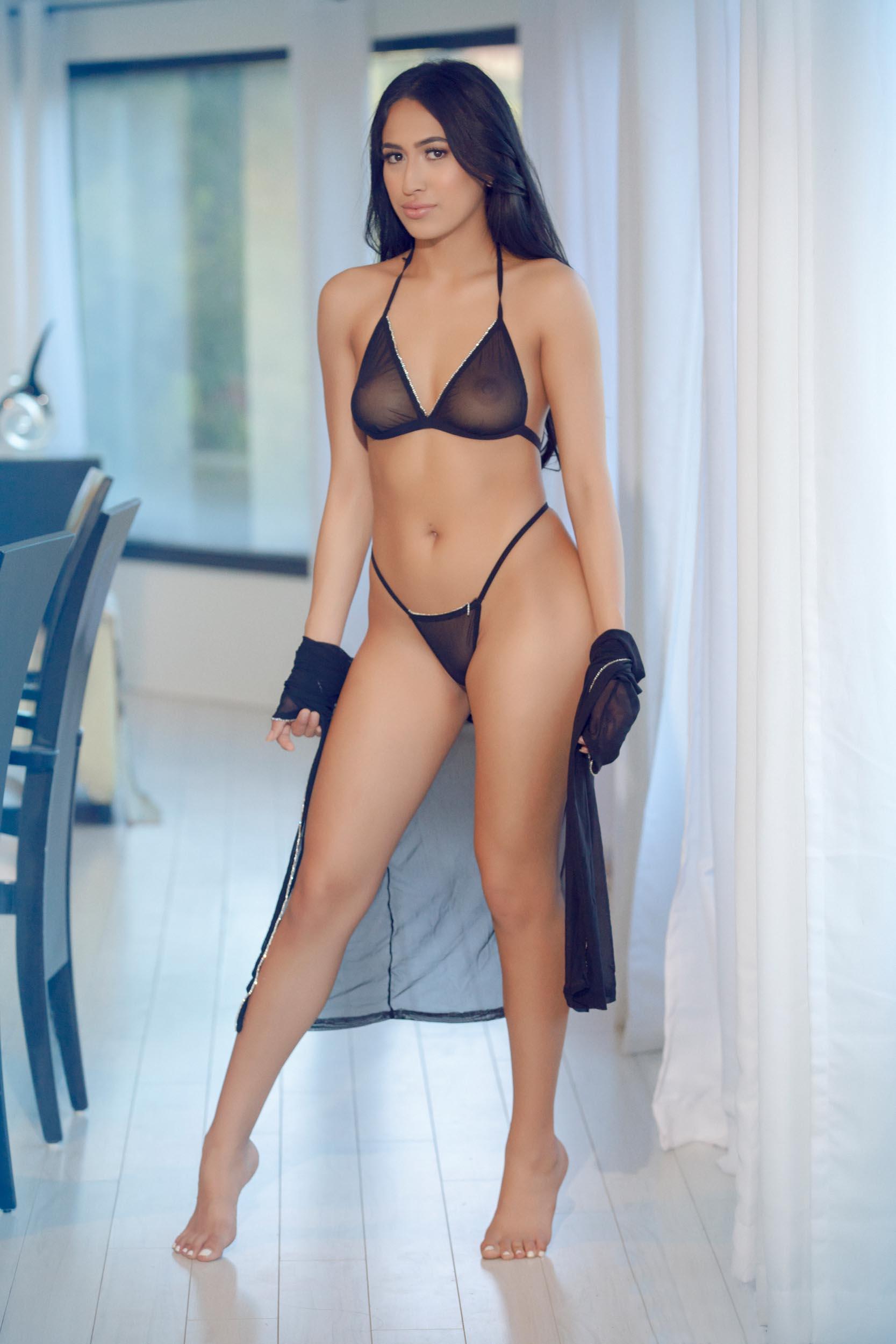 Aubrey Nova Porn Video edible aubrey - hussie models